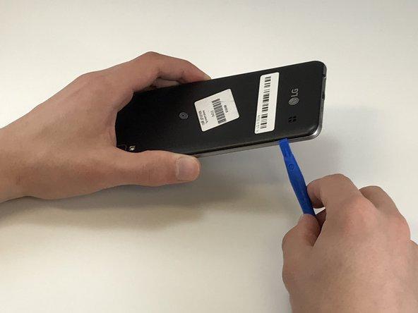 گوشی الجی X Style را خاموش کرده و از خاموش بودن آن اطمینان حاصل کنید.