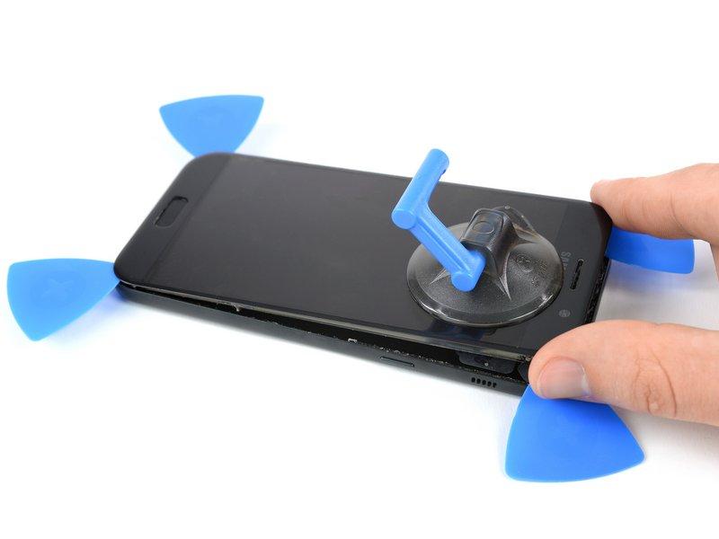 هشدار: صفحه نمایش را کاملا جدا نکنید؛ زیرا کابل فلت صفحه نمایش به قاب میانی متصل است و ممکن است کابل کلید اصلی و دکمههای منو را پاره کنید