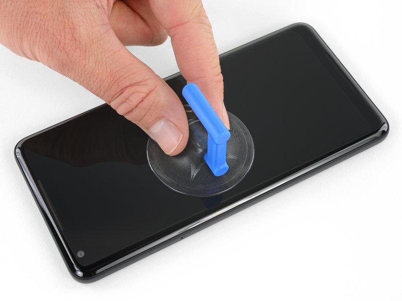 اگر صفحه نمایش شما شکسته است، از ضربه خوردن و شکستگی بیشتر آن حین تعمیر جلوگیری کنید.