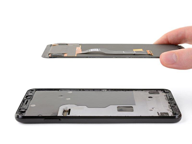 حالا میتوانید صفحه نمایش را جدا کنید.
